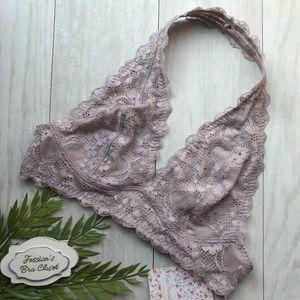 Bundle 2/$25♥️Free People Galloon Lace Halter Bra